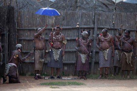 Mswati 11 Как выбрать себе жену или 70 000 голых девственниц