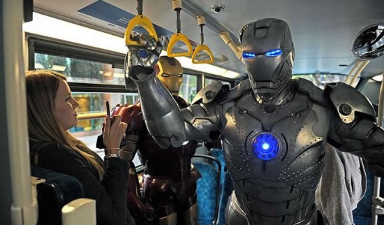 iron man suit 1 Железный человек в Лондоне или перформанс от Джона Беккенстейна