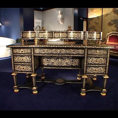 mebel majkla dzheksona table Мебель Майкла Джексона