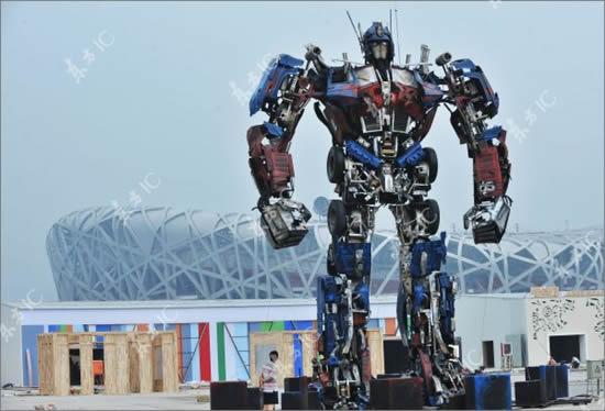 optimus prime 1 В Китае собрали гигантского Оптимуса Прайма