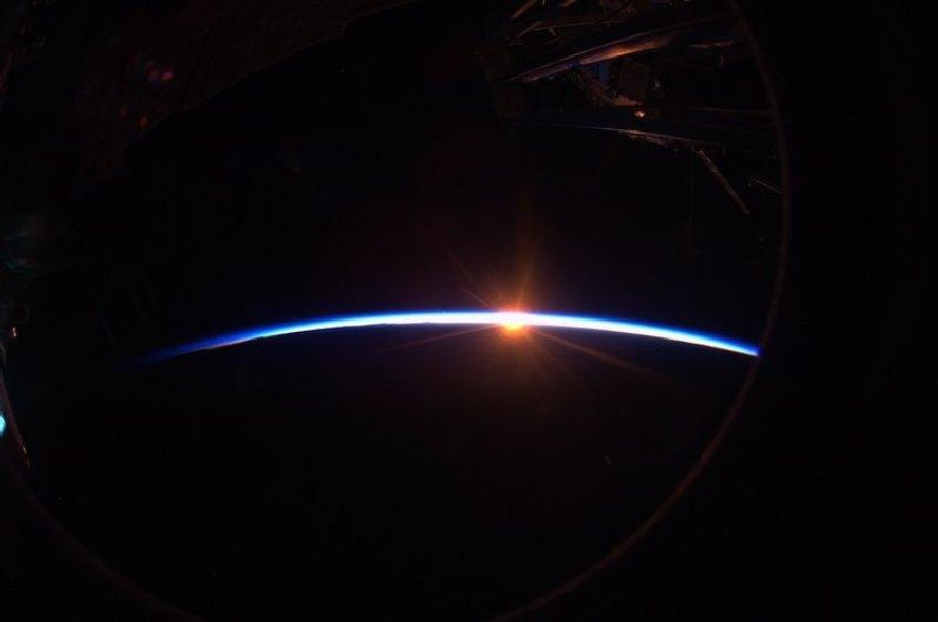 Space 008 взгляд из космоса