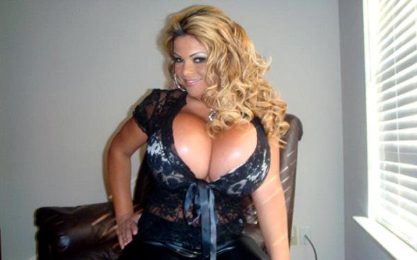 sheyla hershey worlds largest breast woman with a size of 38kkk Самая большая силиконовая грудь в мире
