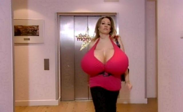 Порно звезда с самой большая грудью