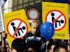thumbs 011dbhr8 В Белграде жители взбунтовались, после того как власти решили устроить в городе гей парад