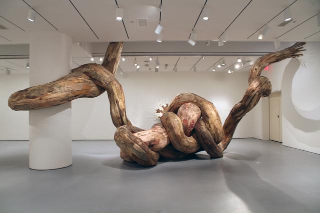 wash4 Бразильский художник Энрике Оливейра 'пустил корни' в художественной галерее «Национального музея искусства Африки»