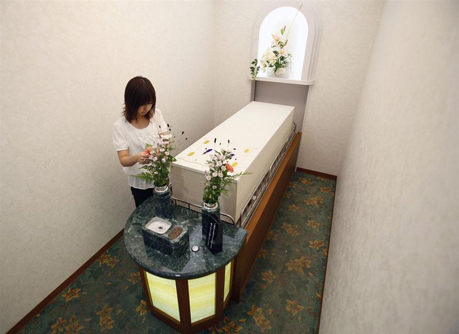 lastel 1 Японский отель для мертвецов