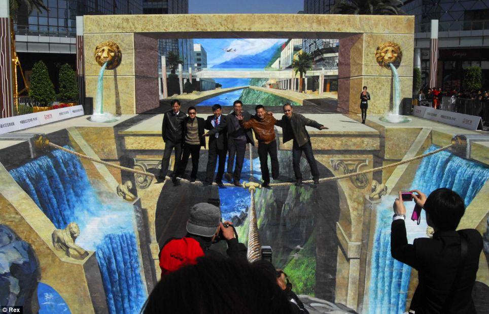 largest 3d painting 1 Китайский художник нарисовал самую большую 3D картину в мире