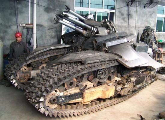 megatron tank 1 Китайский фанат трансформеров создал целую армию боевых роботов
