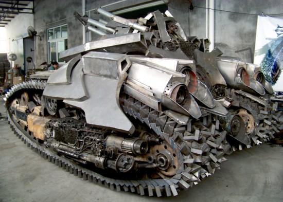 megatron tank 3 Китайский фанат трансформеров создал целую армию боевых роботов