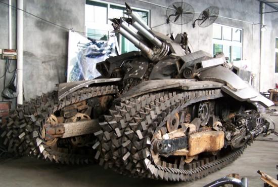megatron tank 6 Китайский фанат трансформеров создал целую армию боевых роботов