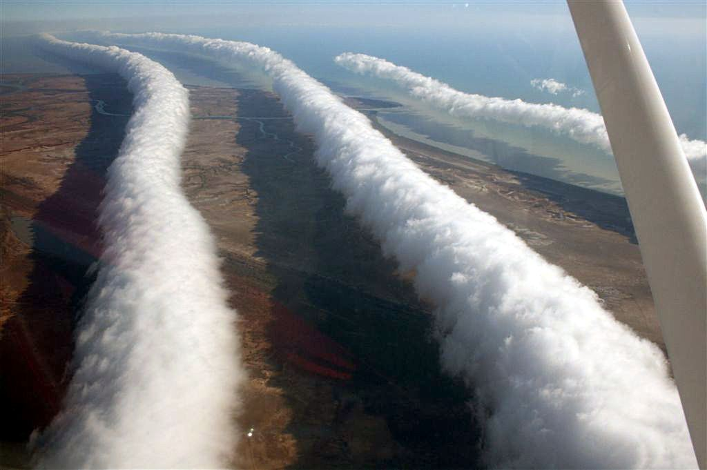 http://unnatural.ru/wp-content/gallery/morning-glory-cloud/clouds_of_glory_2.jpg