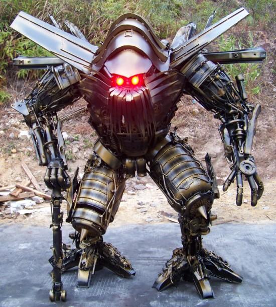 yang junlin transformers army 1 Китайский фанат трансформеров создал целую армию боевых роботов