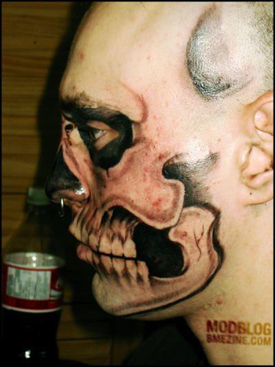 skull tatoo 2 17 самых модифицированных людей на планете Земля