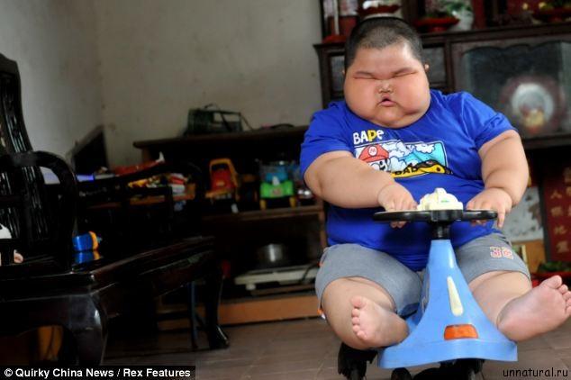 Lu Hao 1 Гигантский малыш: 3 х летний ребенок из Китая весит 60 килограмм