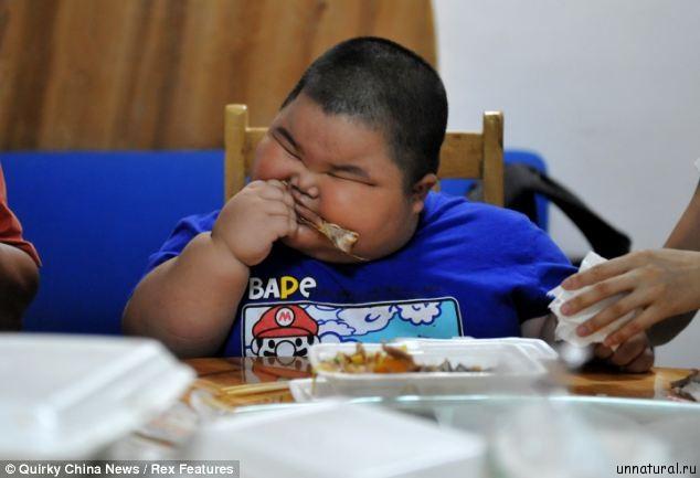 Lu Hao 2 Гигантский малыш: 3 х летний ребенок из Китая весит 60 килограмм