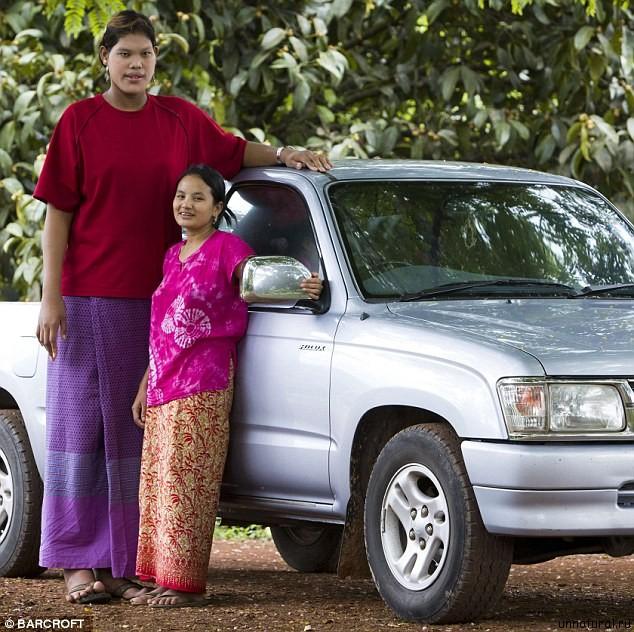 Malee Duangdee 1 Самый высокий подросток в мире