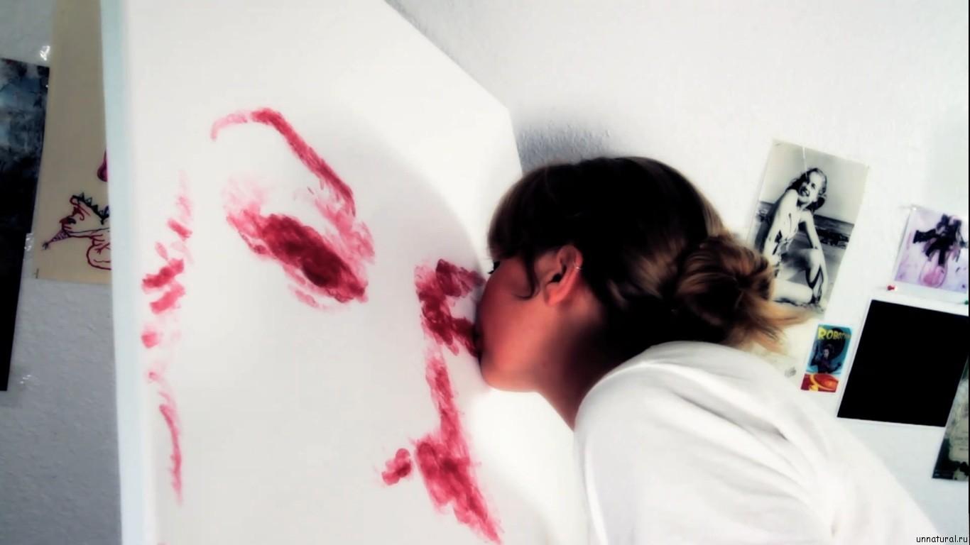 Natalie Irish kiss paint 4 Художница нарисовала потрясающую картину при помощи собственных губ