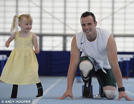 Ellie Challis 2 Никогда не сдавайся: 5 летняя Элли стала первым ребенком в мире, освоившим паралимпийские бионические лопасти