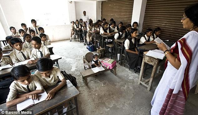 Jyoti Amge 8 65 сантиметровая индианка стала самой маленькой женщиной в мире