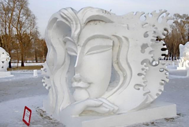 snow sculpture 14 Самые удивительные и невероятные работы скульпторов со всего мира, ставшие жемчужинами Харбинского международного фестиваля ледяных и снежных скульптур