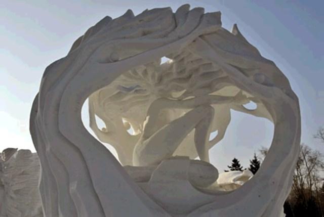 snow sculpture 23 1 Самые удивительные и невероятные работы скульпторов со всего мира, ставшие жемчужинами Харбинского международного фестиваля ледяных и снежных скульптур