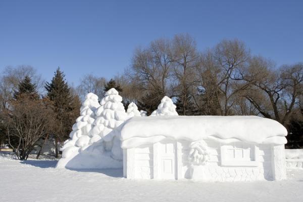 snow sculpture 8 Самые удивительные и невероятные работы скульпторов со всего мира, ставшие жемчужинами Харбинского международного фестиваля ледяных и снежных скульптур