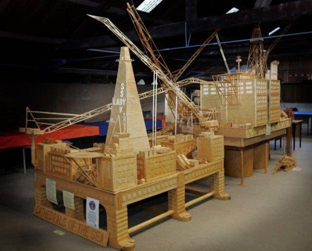 David Reynolds Мужчина потратил 16 лет своей жизни на постройку модели Рильского монастыря из 6 000 000 спичек
