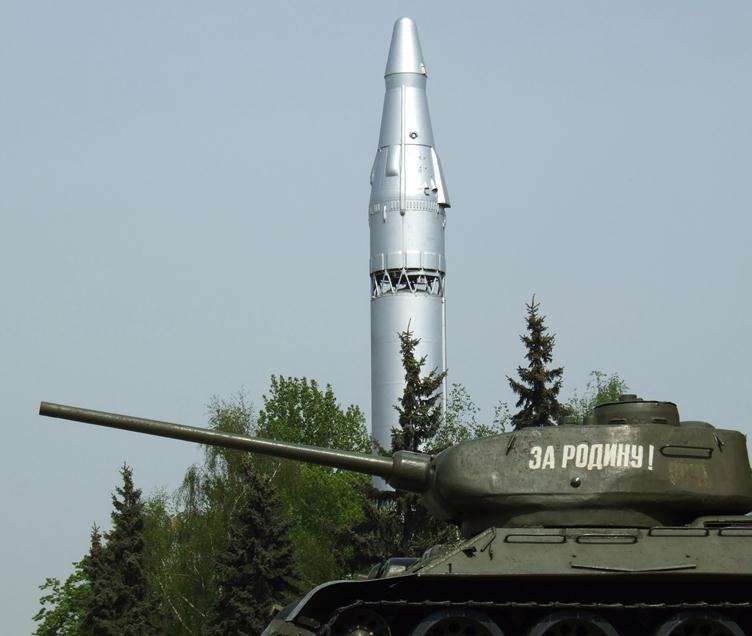 070312 1118 12 Межконтинентальная баллистическая ракета Р 7 — фундамент для полета в космос