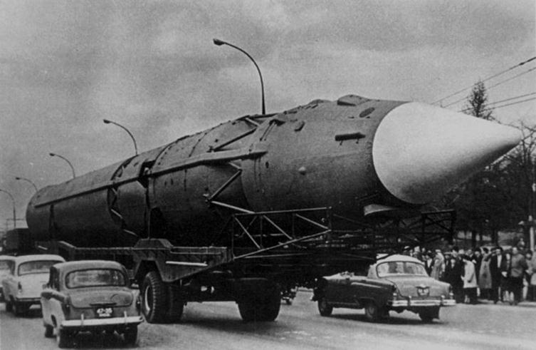 070312 1118 13 Межконтинентальная баллистическая ракета Р 7 — фундамент для полета в космос