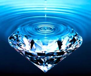 Diamond in Water 300x253 Космические сокровищницы: на Нептуне и Уране были обнаружены гигантские моря из жидких алмазов
