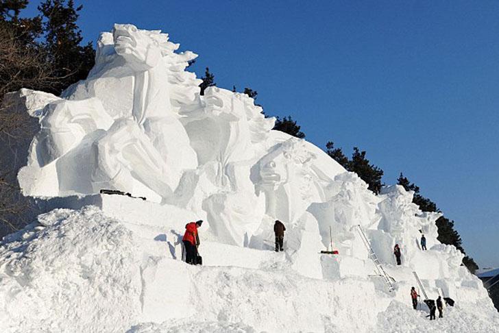Джингуетанский фестиваль снежных скульптур