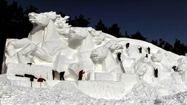 Jingyue Snow 2 1 Джингуетанский фестиваль снежных скульптур