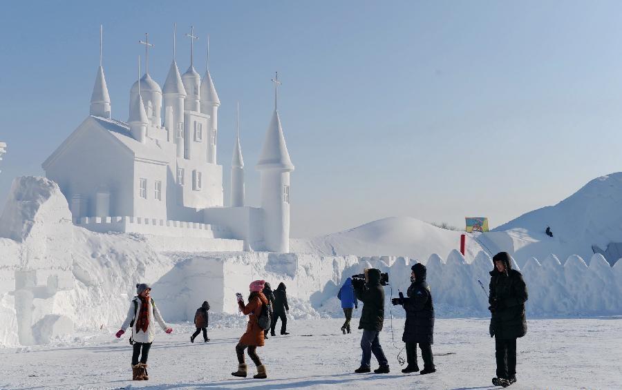 Jingyue Snow 3 1 Джингуетанский фестиваль снежных скульптур
