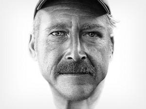 f b 300x225 «Найти Бенджамина»: гиперреалистичный портрет, состоящий из 2 миллионов чернильных точек