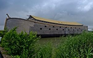 nk 1 300x187 Датчанин потратил 20 лет своей жизни на постройку копии Ноева ковчега, выполненной в натуральную величину