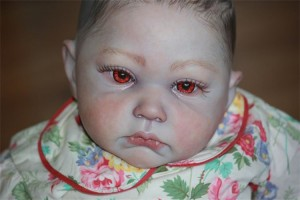vamp doll 11 300x200 Искусство на грани безумия: куколки мисс Шанин