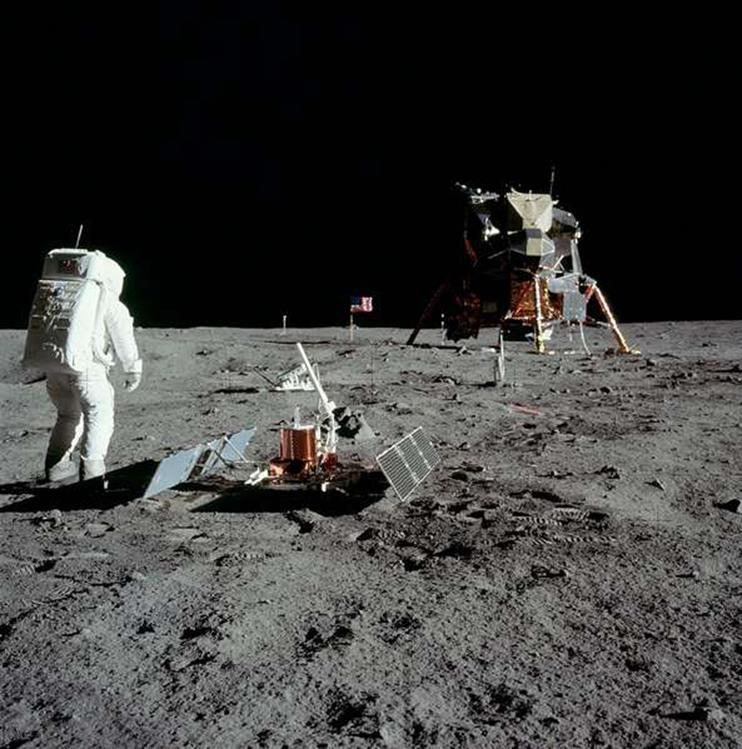 092114 0924 1 Луна как арена жизни и трудовой деятельности человека. Продолжение 2