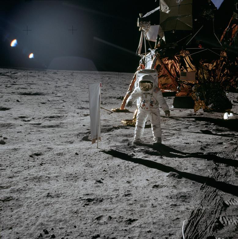092114 0924 2 Луна как арена жизни и трудовой деятельности человека. Продолжение 2