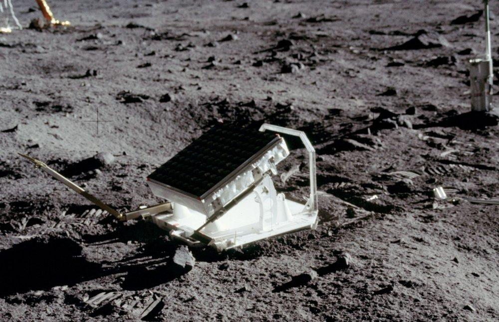 o16 Мифотворцы космической эры | Почему «лунный заговор» несостоятелен