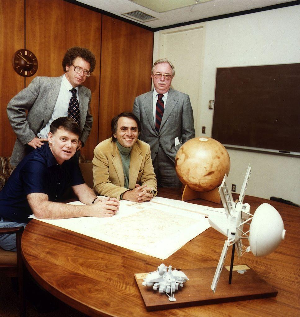 h14 Карл Саган: первый посол Земли