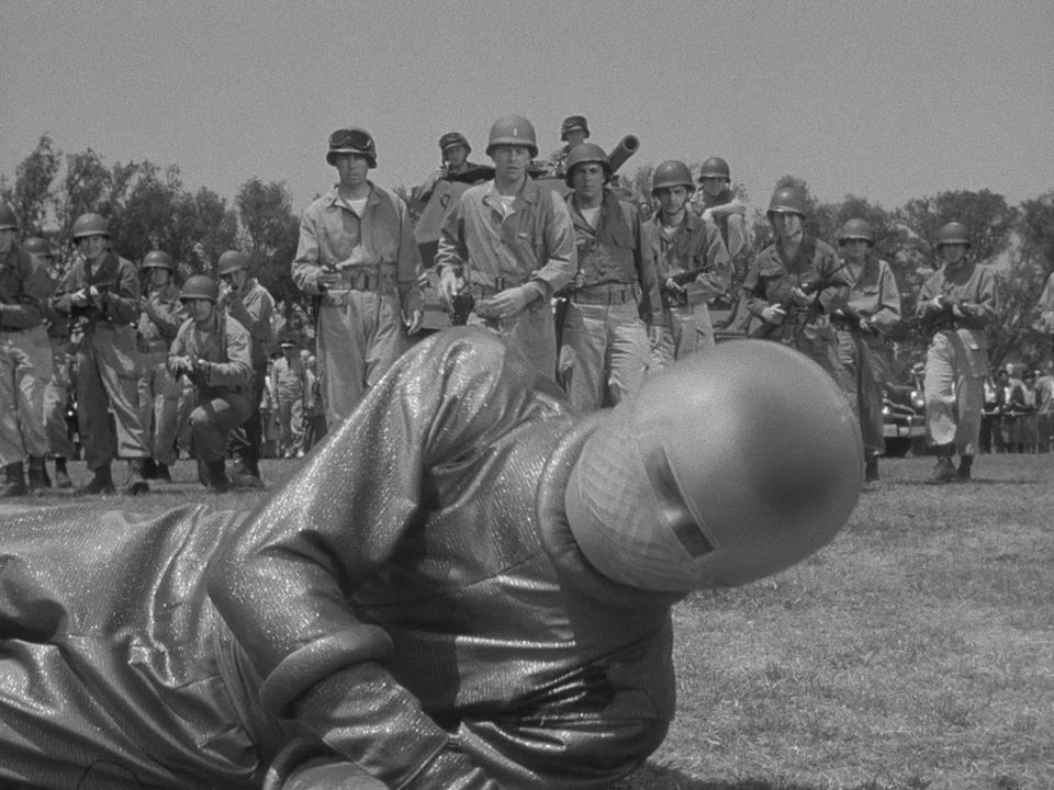 t11 Между классикой и фантастикой: история терменвокса и его создателя