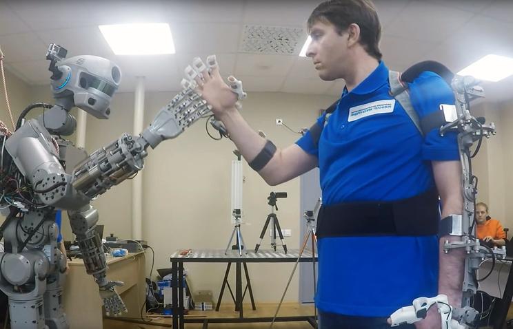 r13 Прошлое и будущее роботов: новые законы роботехники