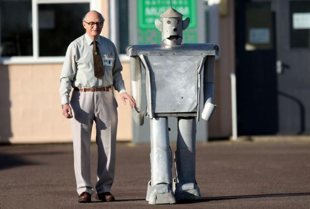r91 Прошлое и будущее роботов: новые законы роботехники