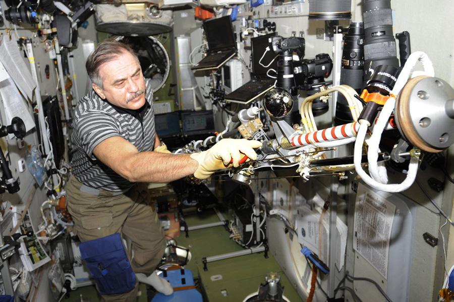 p16 Юбилейная космонавтика: как земные праздники становятся космическими