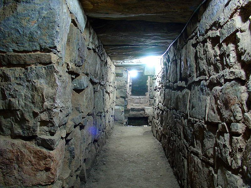 q2 10 ошеломляющих древних подземных сооружений